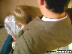 Moleque mamando o chefe no banheiro