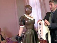 il lucy Latex a di lattice cameriera