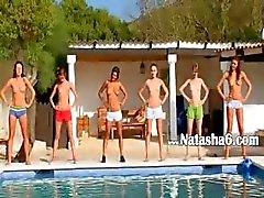 Rusya'danhavuz altı çıplak teens