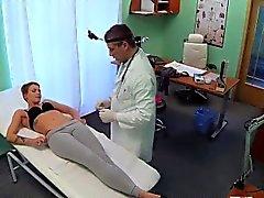 Corta paziente a pelo ottiene speciale trattamento