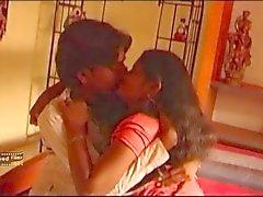 il Telugu moglie della relazione segreta insieme all'amico hubbys