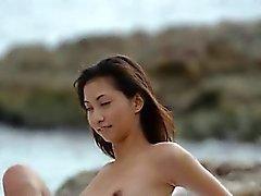 chinois ange les taquineries par des la mer