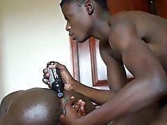 Ethnische afrikanischen jugend Finger lubed Hintern