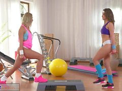 FitnessRooms Horny lesbians get hardcore