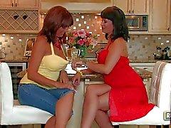 Experienced lesbians Desi Foxx and Carrie Ann