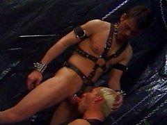 Amateur Slut- Junge bekommt seine Lektion