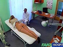 FakeHospital - Une infirmière trouvailles exposée russe