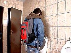 Sala da bagno pubblica Senza preservativi