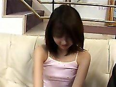 Luden koreansk fitta och soffa fingersättning