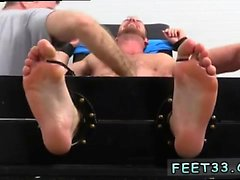 Gay jalka boots sneaker fetish Mahdollisesti Risteilijämainokset Tickle d