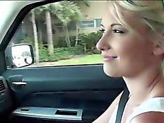 Hottie Danis erste Auto Teufel Abenteuer