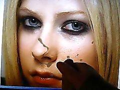 cumming op avril Lavignes gezicht