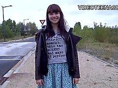 Исполнилось 18 лет подростковой Luna в первую нагой литье видео-