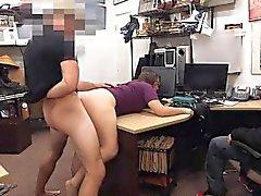 Lesbian couple cercano per rubare ed ottenere scopare da pawnkeeper