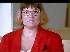 pullea amatööri nainen lasi ja isot tissit strippaus
