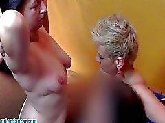 Flotten Dreier Partei mit zwei frechen Sexkontakte