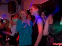 Amateur Euro feiern auf dem Dancefloor