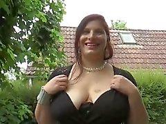 sexy Mollig Stern Gattin ersten Gangbang