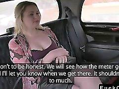 Pulleita tatuoida vaaleita nai suuri kalu väärennettyjen taksimatkan
