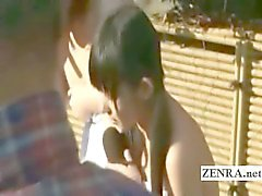 Di tre studentesse giapponesi shy a nudo nudo ai stabilimento balneare