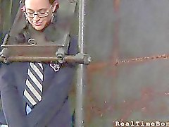 Torture viso e di figa per bambino