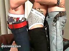 Tre homosexuella killar ha kul sugande hårt part5