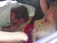 Gullig czech tjej blir slickar och fingrade av kåta taxichaufför som