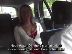 Cute tschechische Mädchen bekommt geleckt und gefingert von geilen Taxifahrer