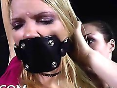 Torture Bizarre l'excite de Playgirl