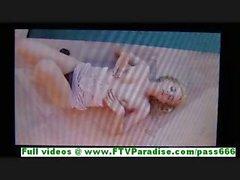 De Katey offre busty blonde se déshabille et de s'amuser à la piscine