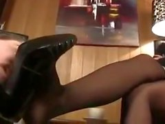 foot licking domina