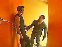 Sağ üyeye özel otelde merdiven hard bay Anal seksten tanıklık edin