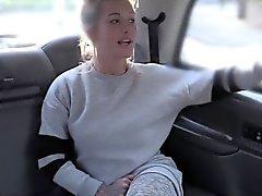 Procace biondi anali Brit avvitati dalla cabina