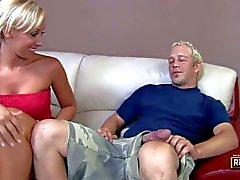 Jessica Lynn loves gigantic cocks