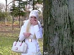 Euro pulicsex slut jizzed on outdoors