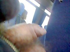 parpadeante la polla en de autobuses - 25.11.2014 - parte2