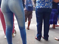 hot Chicky jeans ass