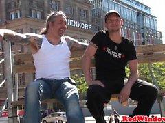 Punk- hollanti Hookerin ratsastaa matkailuinfo cock