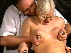 Lääketieteellinen fetissi aiheesta vaaleita sadomasokismista tyttö Chaos