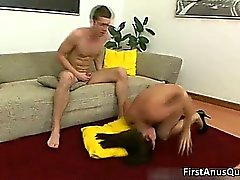 Sexy horny brunette chick Leyla takes