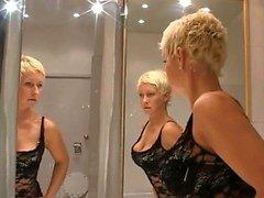blondie mature having vagina fisted hard