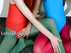 Harige lesbiennes in nylonkous liefdevolle