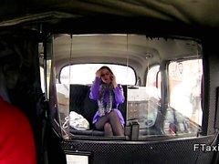 Fake taksi içinde glasses derinlik boğazlarına beraber amatör bir
