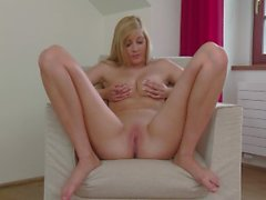 Barbara Vesela strips down and get's kinky