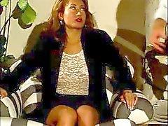 Smutty Becky med en drivande pissa hål knullas av Mike Horner