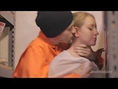 Force-Sex in der Gefängnisbibliothek frtyb uxkc / sexeviolent.wmv
