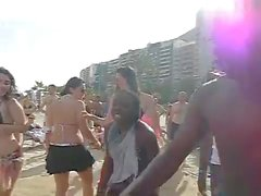 Hot Dance house on The Beach - nilakshiwani-co