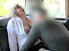 Doğal bir bir busty ŞİŞMAN GÜZEL KADINLAR rimming taksi şoförü
