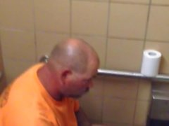 Str8 spy daddy bear in public toilet
