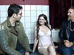 Amsterdam prostitute pleasing a horny part1